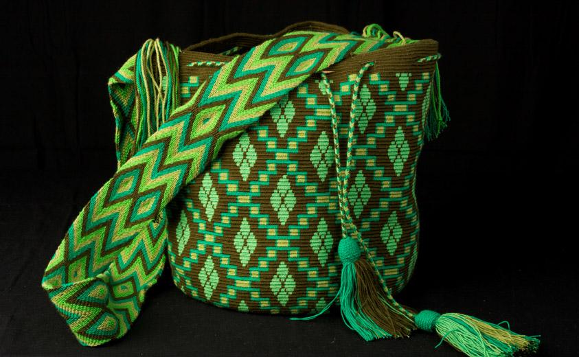 La mochila Wayúu, parte de la tradición de Colombia - Artesanías de ...
