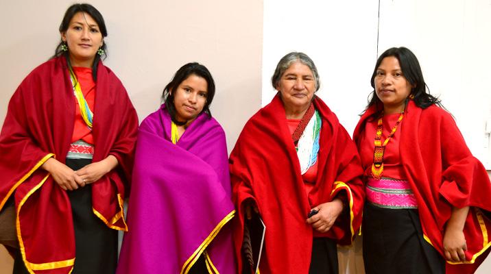 Narcisa Chindoy y su familia