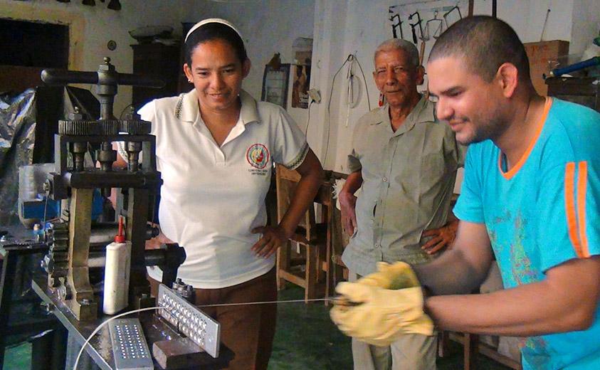 Vicente en su taller
